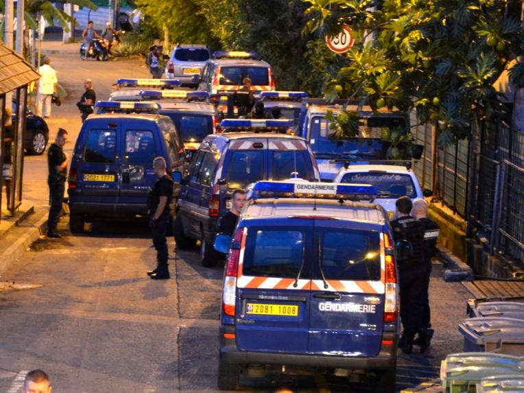 Les gendarmes avaient enchaîné les perquisitions et les interpellations fin 2013 et début 2014 dans le cadre de cette affaire.