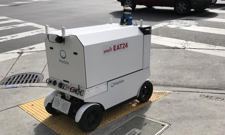 San Francisco goûte aux premiers repas livrés par des robots