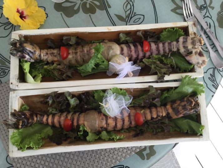 Un des plats typiques du restaurant Opoa Beach, les délicieux et rares « varo », à la carte seulement quand le pêcheur du coin en fournit.