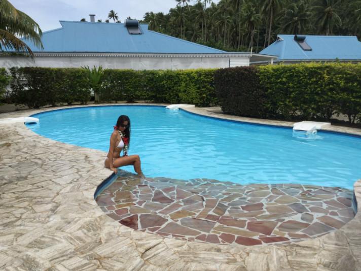 Une piscine d'eau douce permet de se détendre après excursions et randonnées.