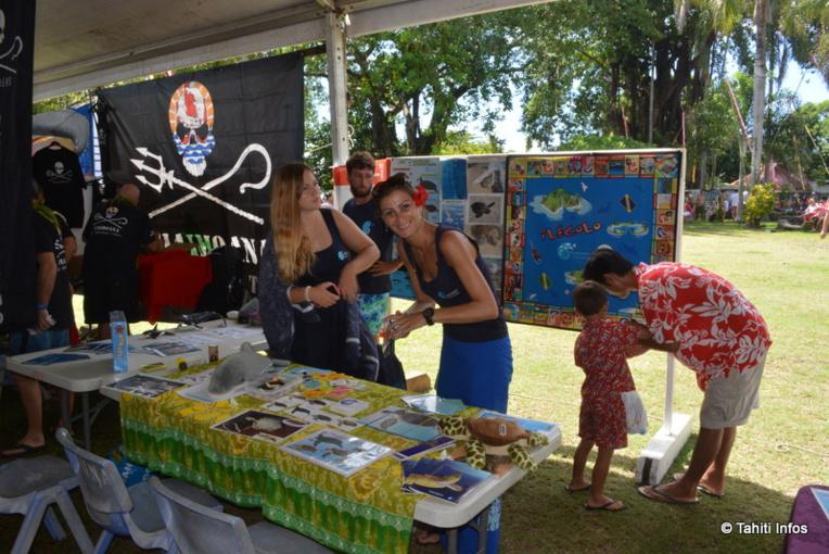 Un village permettait aux associations de protection de l'environnement de se présenter, ici Te Mana o te Moana
