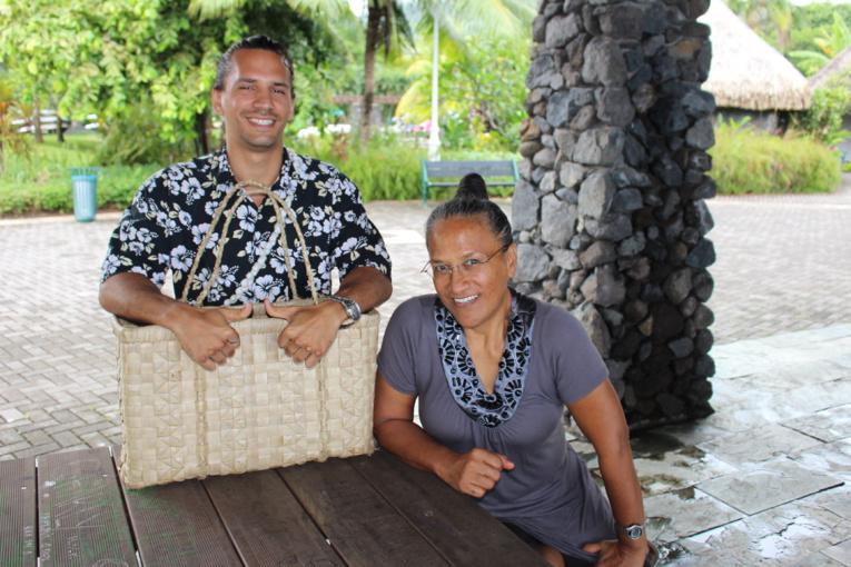 """""""On n'amène rien de l'extérieur, on fait confiance à la nature. C'est elle le meilleur modèle qui existe"""", expliquent  Jonathan Cunéo et Naomi Parau de la ferme permacole de Tipapa à Arue."""