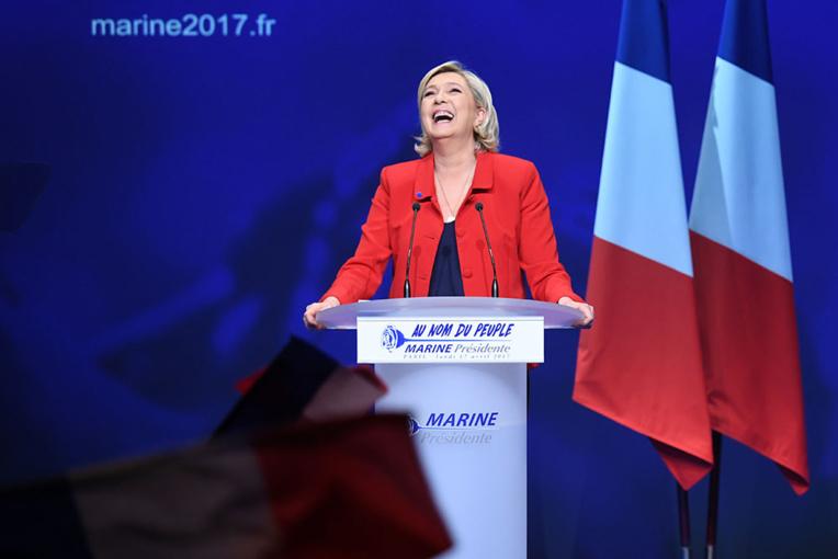 """Marine Le Pen: """"La colonisation a beaucoup apporté, notamment à l'Algérie"""""""