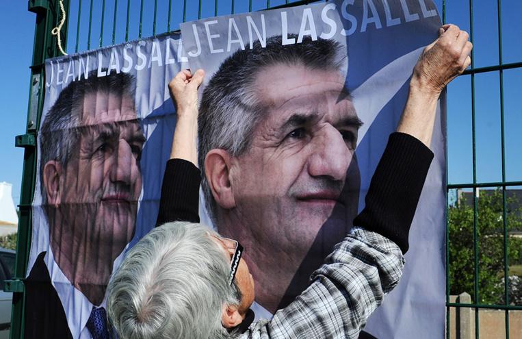 """Présidentielle: Lassalle """"heureux"""" et """"sûr"""" de gagner"""
