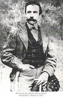 """Dutrou-Bornier, autoproclamé """"roi"""" de l'île de Pâques ; c'est lui qui fut le grand artisan du départ de la """"Briseuse de vagues""""."""
