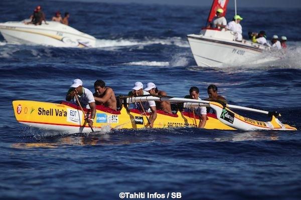 Shell va'a avait remporté les éditions 2000, 2002, 2004, 2007 et 2013 de la course. C'est la seule équipe à avoir un trophée à vie, pour ses trois victoires consécutives.