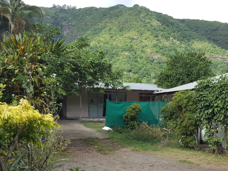 Le drame s'est produit dans ce modeste fare légèrement en retrait de la route, dans une servitude privée du PK 20 à Paea.