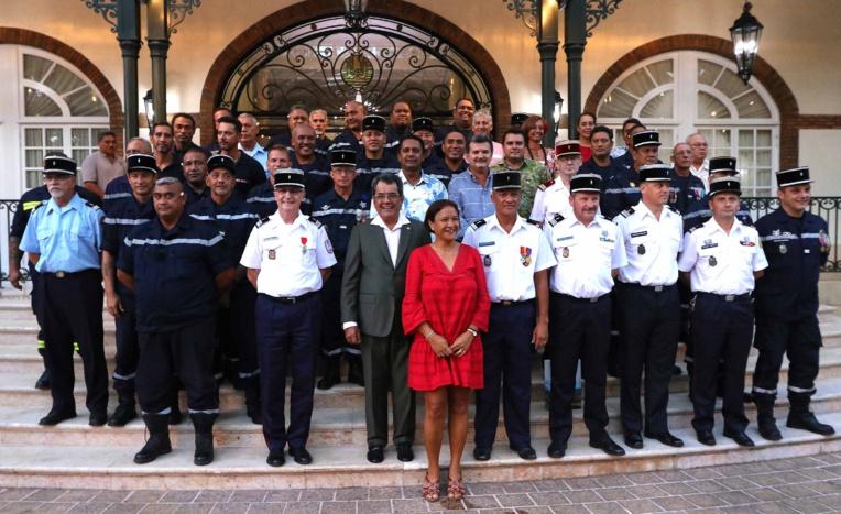 Réception en l'honneur des sapeurs-pompiers à la Présidence