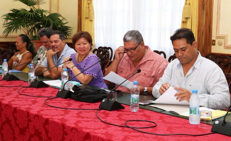 Trois organisations sur cinq (STIP-AEP, A Tia I Mua et CSTP-FO) ont répondu favorablement à l'invitation du gouvernement. (Photo Présidence)