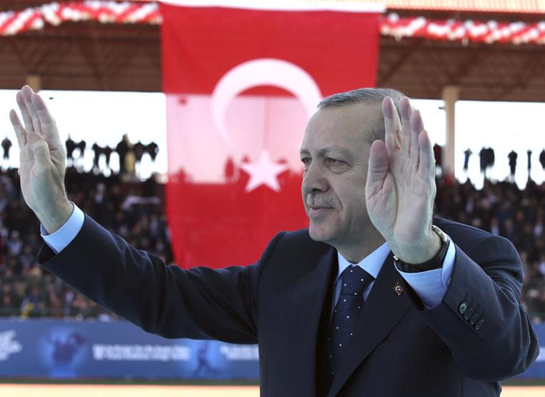 """Turquie: Erdogan menace de dire """"au revoir"""" à l'UE"""