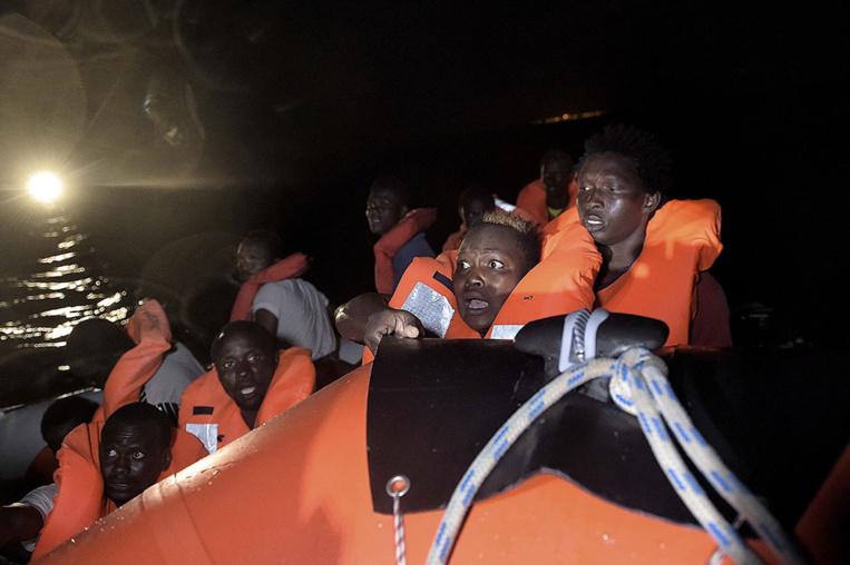 Naufrages de migrants en Méditerranée: au moins 11 morts et plus de 230 disparus