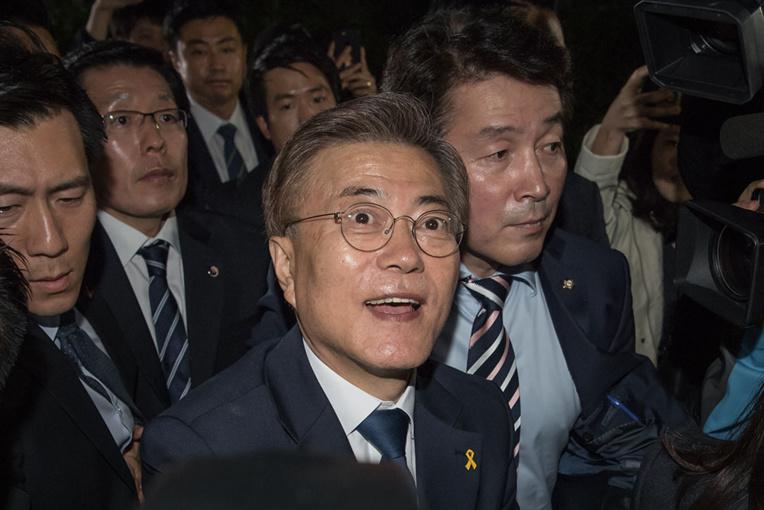 Présidentielle en Corée du Sud: le favori Moon l'emporte confortablement