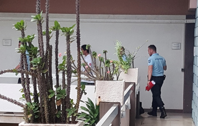 Ecroué depuis son interpellation le 29 mars, le guide a écopé d'un an de prison ferme ce mardi, avec mandat de dépôt.
