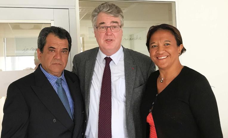le président Édouard Fritch accompagné de la sénatrice Lana Tetuanui, a été reçu au siège d'En Marche par Jean-Paul Delevoye.