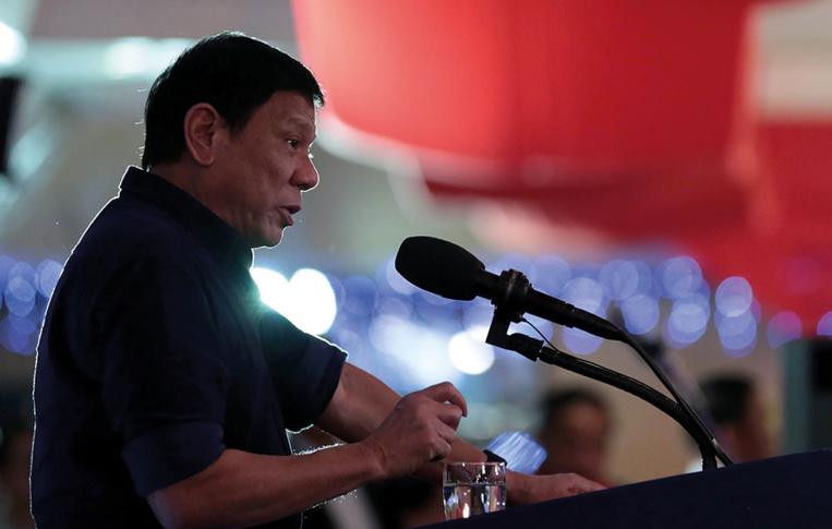 Philippines: Duterte prêt à des accords sur la mer de Chine