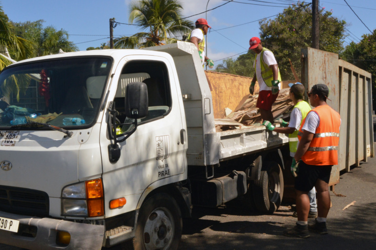 Ce vendredi, l'opération sera reconduite dans les quartiers de la plaine. Une action de nettoyage de la plage Taaone est également programmée.