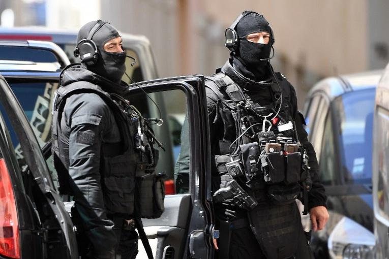 Après Manchester, Macron veut prolonger l'état d'urgence et une nouvelle loi antiterroriste