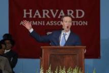 Treize ans après, Zuckerberg enfin diplômé de Harvard