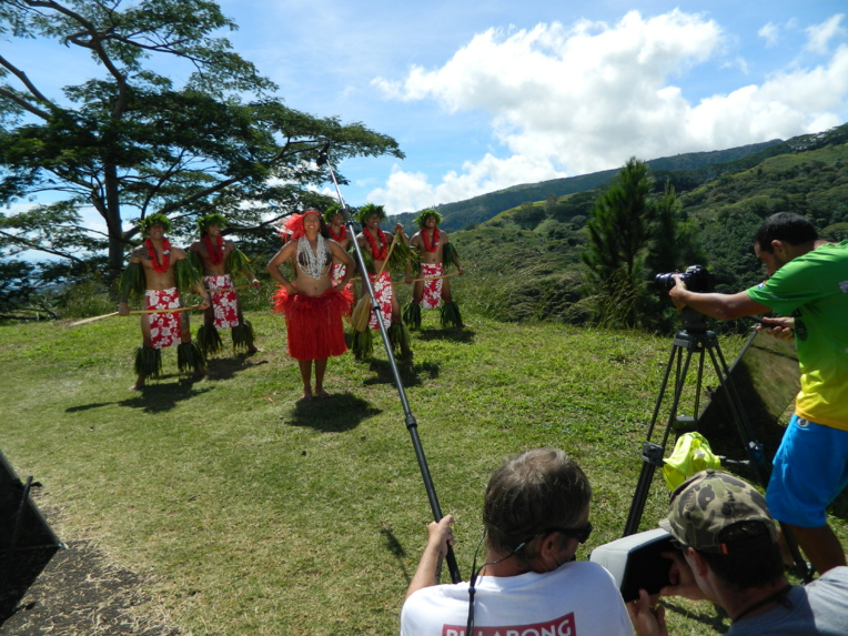 Le tournage du clip a eu lieu dans la résidence de Bill Ravel, sur les hauteurs de Temaruata.
