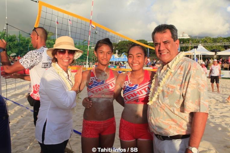 Nos collégiennes du Taaone félicitées par le Président du Pays et par la Ministre
