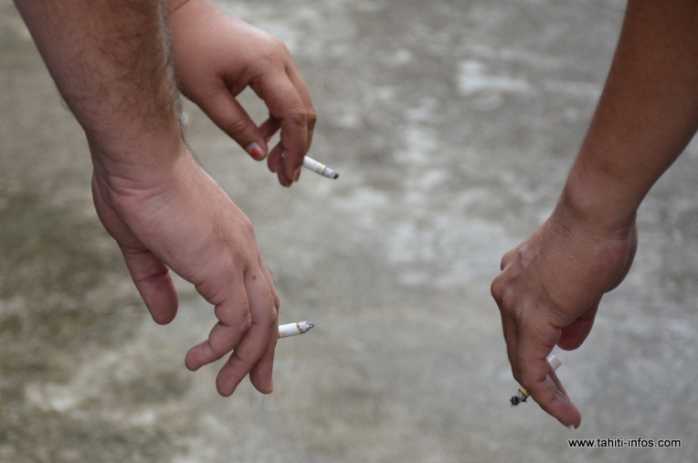 Page enfant, Tabac : les liaisons dangereuses