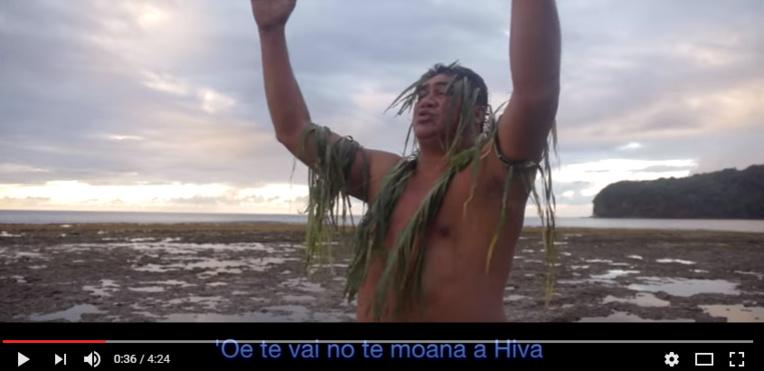 Président de l'association Ta'i Haruru pour la protection de l'environnement de Arue et Tetiaroa, Roland est l'un des interprètes.