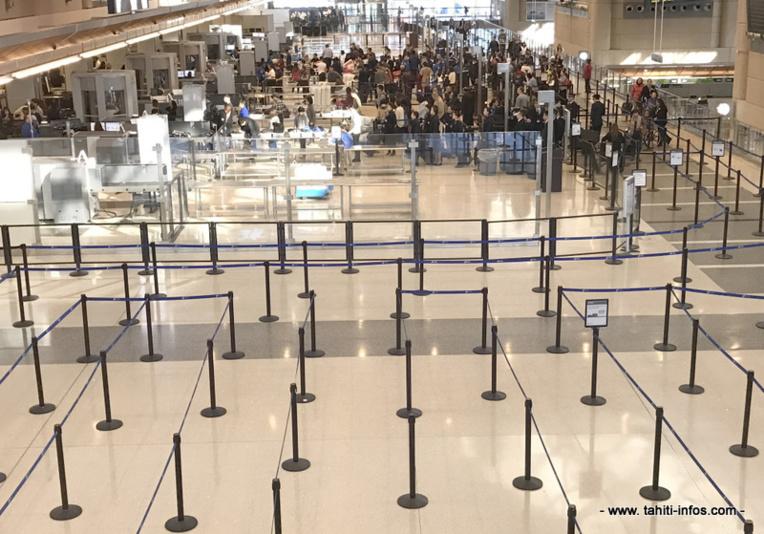 Le groupe de jeunes a passé une nuit à l'aéroport avant d'être pris en charge par Air France.