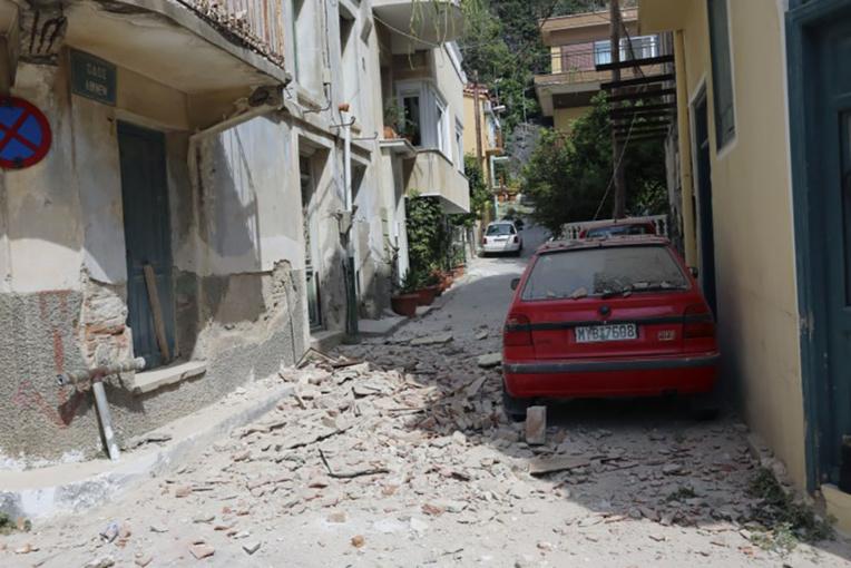 Grèce : un séisme fait un mort et une dizaine de blessés à Lesbos