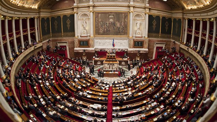 Le débat sur la proportionnelle ressurgit avec l'écrasante majorité promise à En Marche