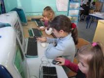 Les Canadiens initiés au codage informatique dès la maternelle