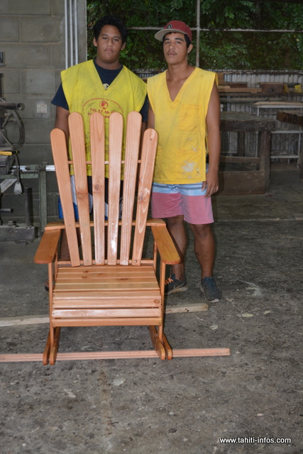De superbes réalisations ont été préparées, comme cette chaise à bascule.