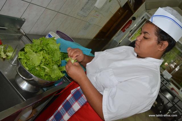 Plusieurs salades seront aussi réalisées par les élèves du CJA de Papenoo.