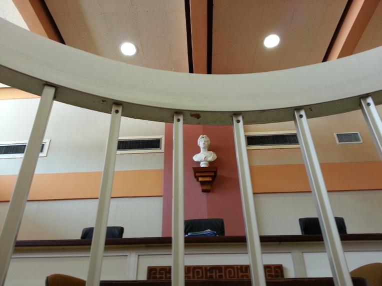 Un surveillant de l'internat de Hao condamné à six mois de prison avec sursis