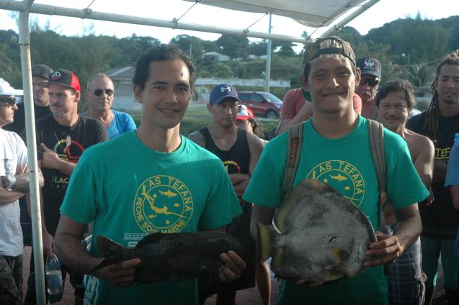 Les 'boyz' de Tefana Manutahi CHOUNE et Maui TAEA ont sorti un paraha peue.