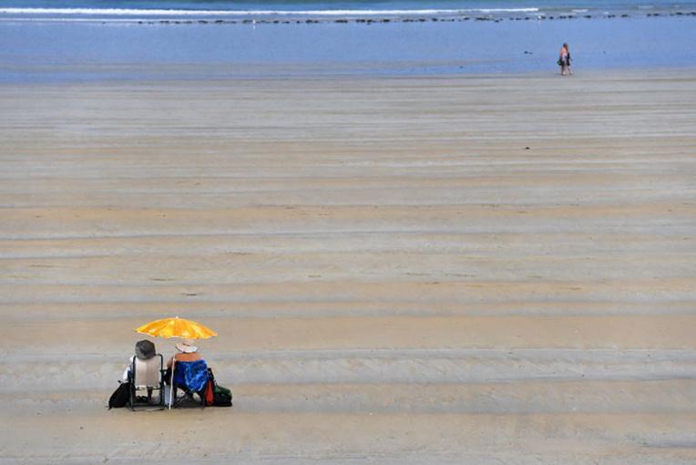 L'épisode caniculaire se poursuit en France: les écoles souffrent de la chaleur