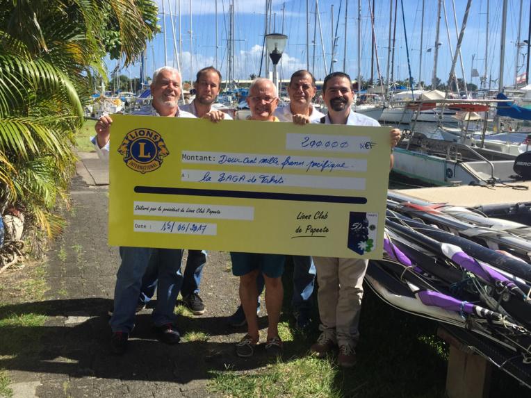 Le Lions Club offre 200 000 Fcfp à la Saga