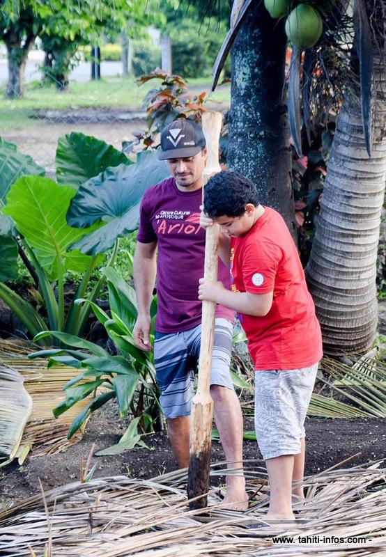 Un fa'a'apu a été mis en place dans le jardin du centre pour que les enfants apprennent à cultiver les produits de leur terre.