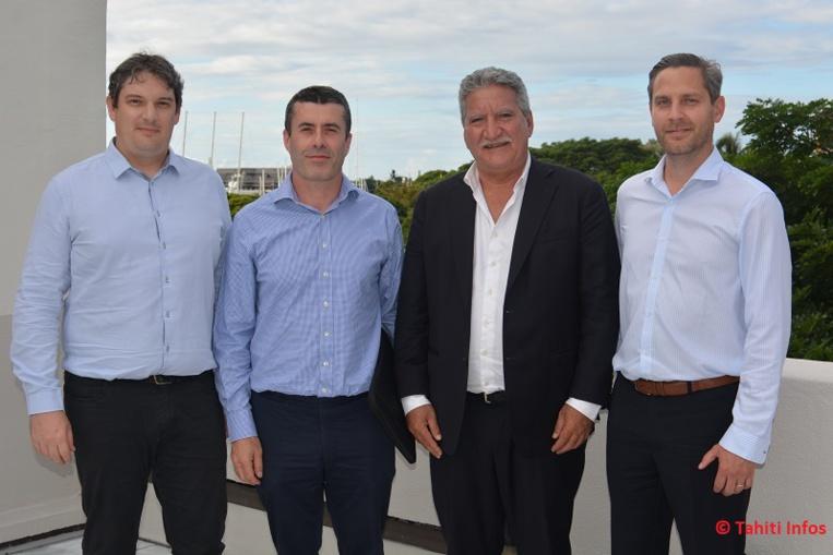 Adrien Beline (directeur d el'agence polynésienne), Vincent Guiheneuc (cofondateur et président d'imaKumo), Jean-Christophe Bouissou (ministre du Numérique) et Johann Terrier (cofondateur et directeur général).