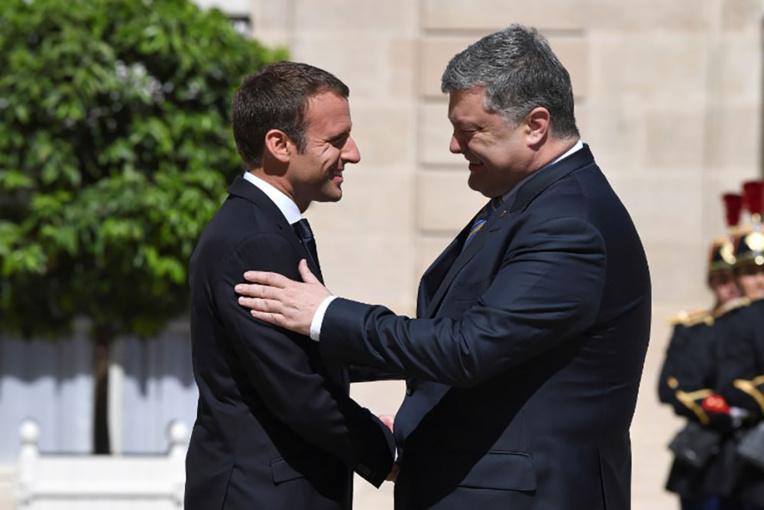 """Macron: la France """"ne reconnaîtra pas l'annexion de la Crimée"""""""