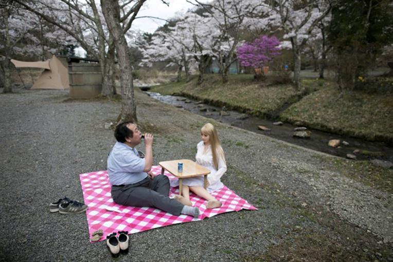 Japon: corps et âme pour une poupée de silicone