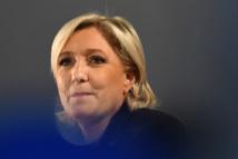 """Assistants d'eurodéputés FN: Marine Le Pen mise en examen pour """"abus de confiance"""" et """"complicité"""""""