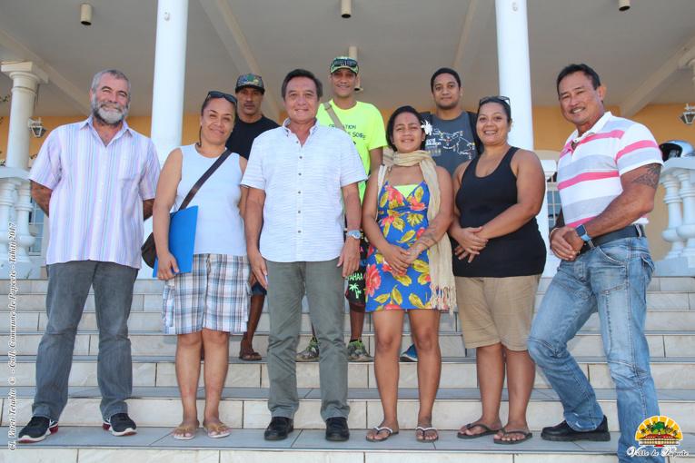 Six jeunes démarreront leur contrat en CAE et SIE, ce lundi. Ils ont été reçus mercredi par le maire de Papeete, Michel Buillard.
