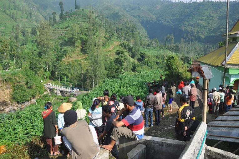 Indonésie: un hélicoptère de secours s'écrase, ses huit occupants tués