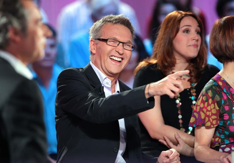 """Vanessa Burggraf quitte """"On n'est pas couché"""" et retourne sur France 24"""