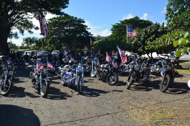 Une cinquantaine de Harley-Davidson étaient présentes pour le bonheur des enfants de Mahina.