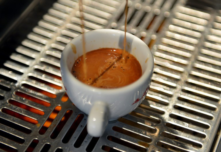Boire du café ferait vivre plus longtemps, selon deux études