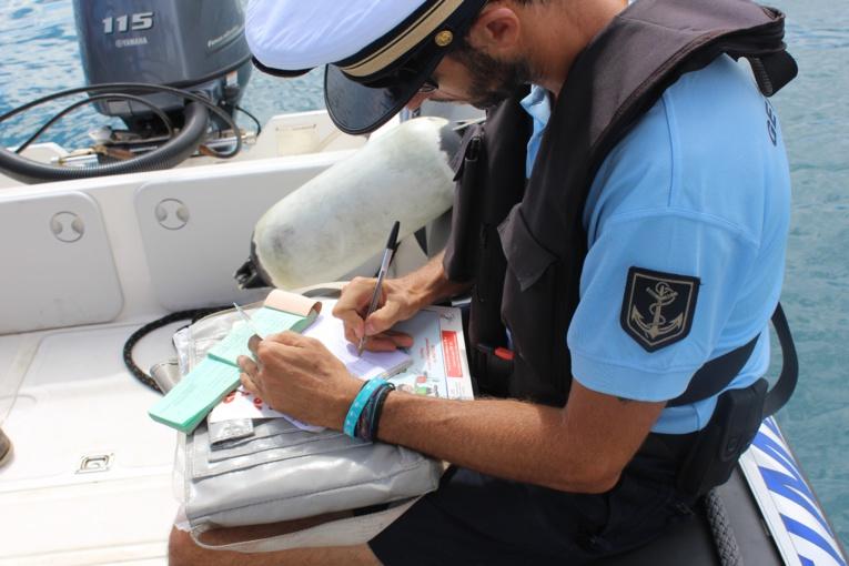 La gendarmerie sensibilise à la sécurité en mer