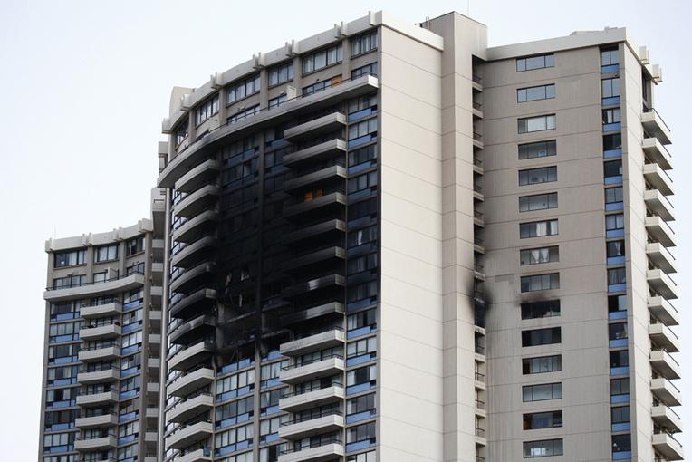 Trois morts dans l'incendie d'une tour à Hawaï