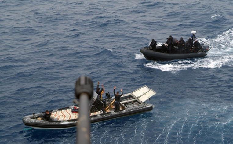 """Plus de deux tonnes de cannabis interceptées dans des """"go-fast"""" maritimes en Méditerranée"""
