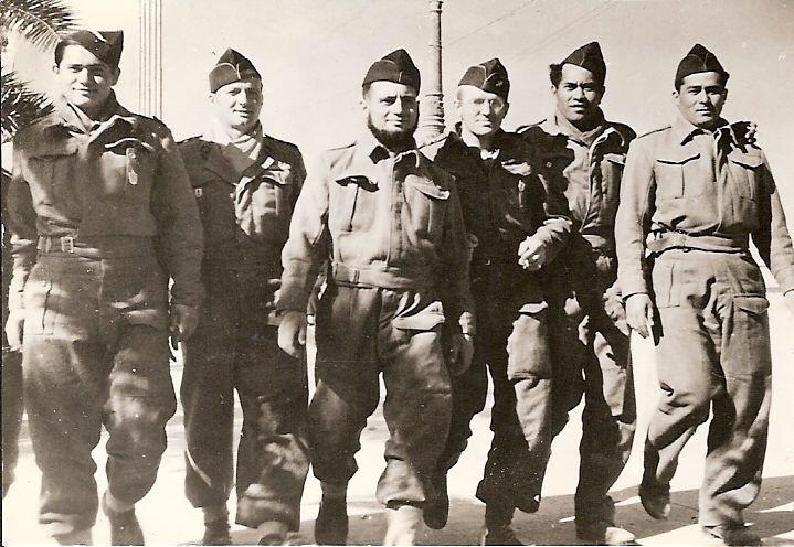 300 jeunes Tahitiens ont embarqué le 21 avril 1941 pour rejoindre le Bataillon du Pacifique et se battre aux côtés des alliés dans les forces de la France Libre. 71 sont tombés sur les théâtres d'opération en Afrique du nord et en Europe.